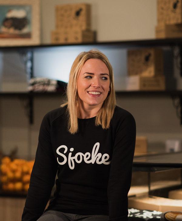 Sjoeke sweater black - CHEEKY&DUTCH, The Fashion Bakery