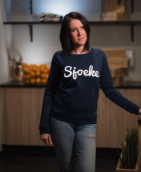 Sjoeke sweater navy - CHEEKY&DUTCH, The Fashion Bakery